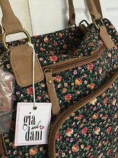 NEW1 piece Gigi Hill Gia Dani Annalise Kiss Floral Duffle bag leather trim denim
