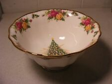 "ROYAL ALBERT OLD COUNTRY ROSES ""CHRISTMAS MAGIC"" FOOTED HAMPSTEAD BOWL"