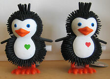 2x Hüpf Pinguin Aufziehtier / Wind up Toy