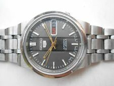 RARE VINTAGE SS GRAY & BLACK DIAL SEIKO 5 JAPAN DAY DATE MENS AUTOMATIC WATCH