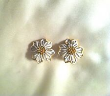 Crown Trifari White & Gold Tone Flower Design Vintage Clip Earrings