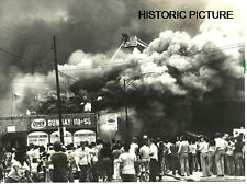 CHICAGO FIRE DEPARTMENT PHOTO CFD VINTAGE 1980 2-11 BOMBING MANNHEIM FURNATURE