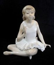 NAO BY LLADRO SEATED ATTENTIVE BALLET DANCER PORCELAIN FIGURINE #0146 MINT