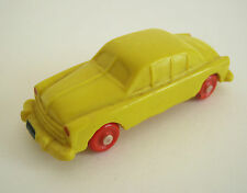Altes IGES Modellauto 901 Borgward Nylonachse DDR Modell Bakelit gelb