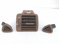 2001 Mercedes-benz ML320 ML430 tan passengers A/C vent with dash corner vents