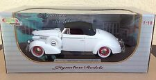 1938 big Buick Century Convertible Coupe 1:18 diecast car white Signature Models