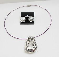 BASKETBALL PLAYERS BALL & NET PENDANT/PIN CHOKER NECKLACE & EARRING SET - WIRE