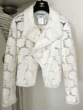 GORGEOUS ICONIC CHANEL 09C RUNWAY WHITE CAMELLIA FLORAL MOTO JACKET 38