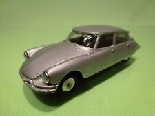 METOSUL CITROEN DS 19  - SILVER GREY 1:43 - GOOD CONDITION
