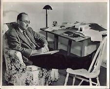 photographie vintage . le poète et romancier Américain Stephen Vincent Benét