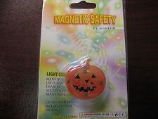 Magnetic-Flashing-Pumpkin Pin