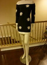 CHIC MOD 60'S INSPIRED MINI DRESS w/ PRETTY 3-D CUT WORK FLOWERS- So Twiggy