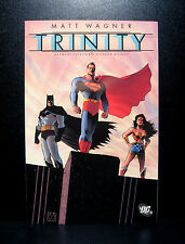 COMICS:DC: Superman/Batman/Wonder Woman: Trinity tradepaperback (2004) -(figure)
