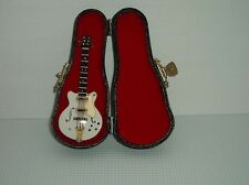 Guitarra Gibson Con Funda Rígida, Miniaturas Doll House, Instrumento Musical 1.12 Th