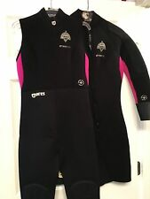 Mares Latitude 45th Parallel Black/Pink Farmer Jane 2pc 6.5mm Wetsuit size 6