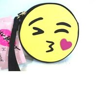 NWT LUV BETSEY by BETSEY JOHNSON Wristlet Coin Purse Kissing Emoji