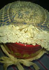 Très ancien bonnet de baptème enfant brodé