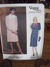 "PATRON VINTAGE ""VOGUE'S  ""ROBE PLIS RELIGIEUX CREATION ALBERT NIPON  TAILLE 40"