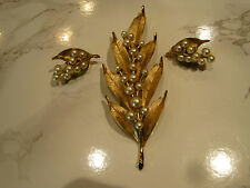 CROWN TRIFARI-VINTAGE LEAVES & BERRIES BROOCH & EARRINGS-IN JUDITH MILLER BOOK!