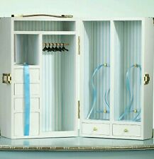 Barbie Wardrobe ( dressing)