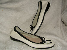 Signature by Aerosoles Fashionista Off-White Soft Leather Ballet Flats Wms Sz 10