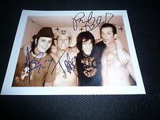 L.A. GUNS signed Autogramm In Person 20x25 cm TRACII GUNS GUNS N ROSES