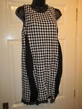Diente de perro H&M Negro Blanco Vestido-UK Size 16/18-L