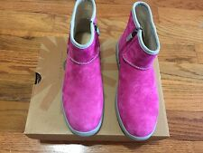 NEW UGG K BREAKER CLASSIC SUEDE WATERRESISTANT KIDS BOOT SIZE 5 1008154 K