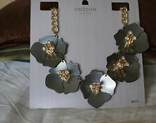 Freedom TopShop Flower Necklace