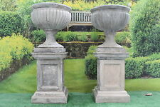 PAIR OF ROYAL SUSSEX GARDEN URNS + PLINTHS STONE GARDEN ORNAMENT STATUE PLANTERS