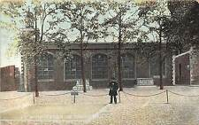 B85396 site of the scaffold the tower of  london uk