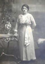 1910´s LADY w/FLAPPER EDWARDIAN DRESS & GREAT SILK RIBBON IN HER WAISTLINE PHOTO