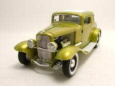 "FORD 1932 5 WINDOW COUPÉ ""GRAND NATIONAL"" DEUCE SERIES #1 IN GOLD 1.18 SCALE"