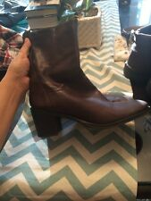 BCBG GIRLS WOMENS BROWN LEATHER HEEL BOOTS - SIZE 9 1/2 B Cowboy