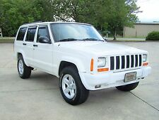 Jeep: Cherokee SPORT 4X4 SOLID LIMITED STYLE COLOR KEYED TRIM SUV