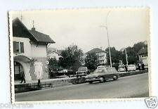 Ville circulation voitures anciennes - photo ancienne an. 1960