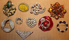 Lovely lot 10 mid century brooches Heart, Hat Circles Triangle Gilded Wreath ++