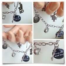 Alice In Wonderland We're All Mad aquí Tea Party encanto pulsera