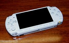 Sony Playstation Portable PSP (PSP-2001) White Handheld System Only *FOR PARTS*