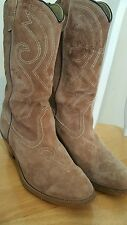 Womens Western Cowgirl Boots sz 9M, Tan Roughout Leather w/White Stitching,Vtg