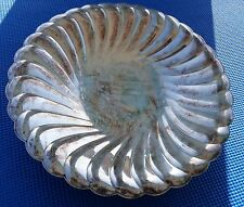 """New listing Bowl Waverly 10"""" Round Scalloped Wm Rogers 3835 Star Eagle Silverplated"""