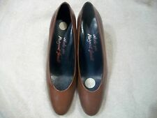 MARGARET JERROLD,Spain Ladies Sz 8 AA BROWN Leather Pumps High Heels in EUC