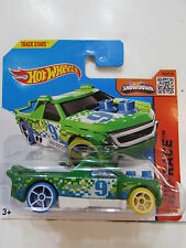HOT WHEELS 2015 HW RACE FIG RIG GREEN SHORT CARD