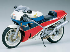 Tamiya 1/12 Honda VFR750R model kit # 14057