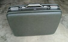 "VTG AMERICAN TOURISTER ""TIARA"" DARK GREEN HARDCASTLE 20"" LUGGAGE W/KEYS"