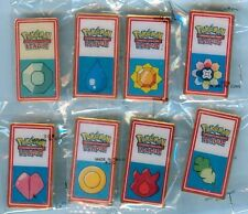 POKEMON 2001 KANTO LEAGUE FIRST EVER WHITE FACE SET OF 8 BADGE/PINS - SEALED NEW
