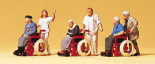 HO Preiser 10479 Elderly Being Pushed in Wheelchairs Figures