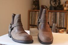 Frye 87885 Custer Harness Brown Leather Elastic Panels Boots Men's Size 9.5 M