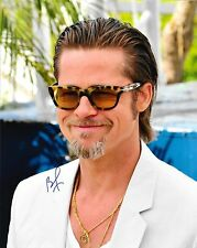 BRAD PITT - HAND SIGNED 8x10 PHOTO AUTO AUTHENTIC AUTOGRAPHED PICTURE w/ COA