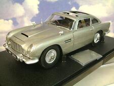 HOT WHEELS DIECAST 1/18 JAMES BOND 007 ASTON MARTIN DB5 SILVER FROM GOLDFINGER
